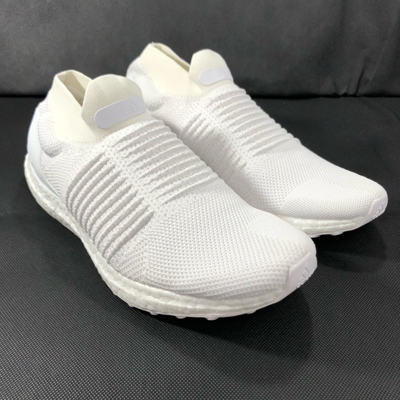 e18bf81807c Adidas Mens UltraBoost Laceless Running Shoes